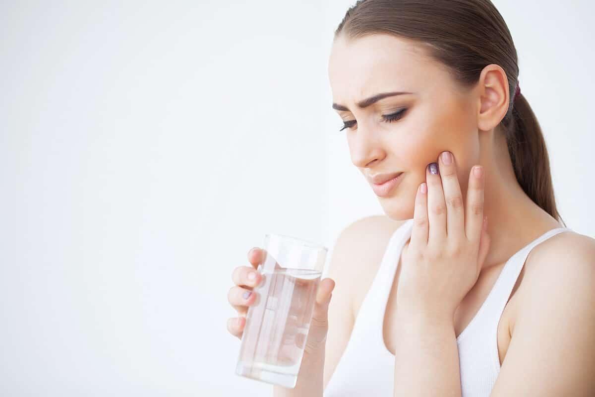 כאב בשיניים לאחר השתלה